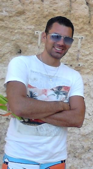 Ludovic Da Mota, professeur de salsa à l'Atelier Danse à Mâcon.